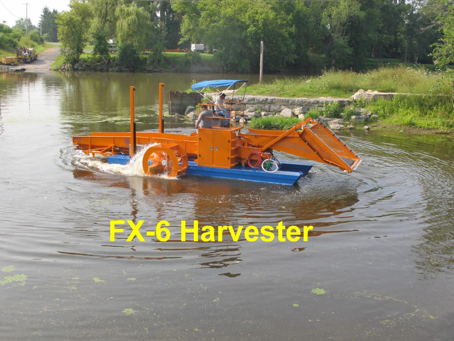 Alphaboats FX6 Waterweed Harvester Maneuvering