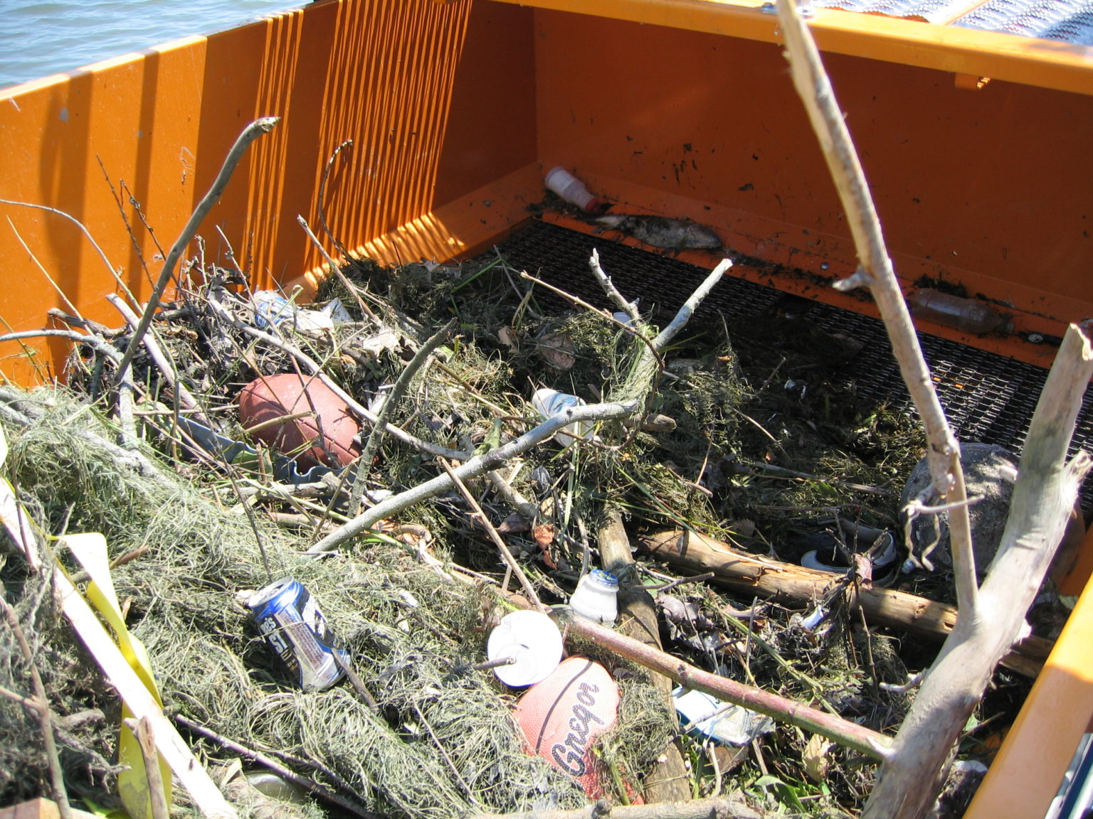 MC 202 with a load of debris