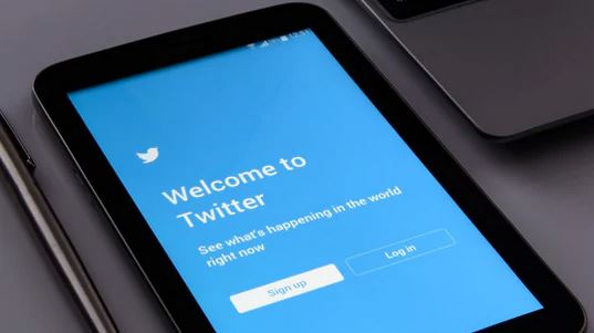 Twitter Open On Tablet