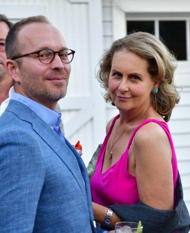 couple-pink-dress