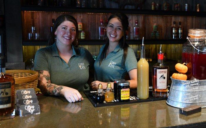 litchfield-distillery-barmaids