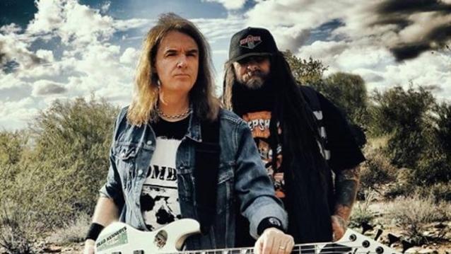 David Ellefson (L) and Thom Hazaert