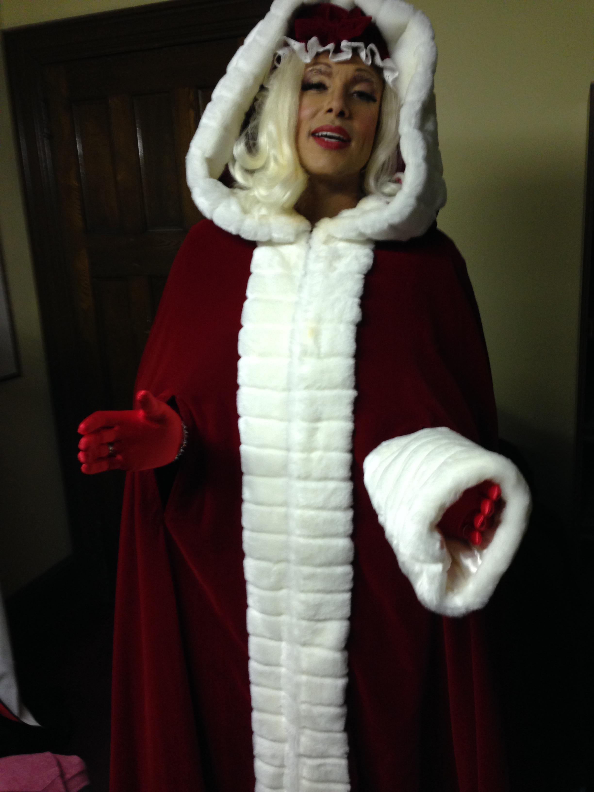 Lola As Mrs. Claus