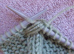 How to knit a bow