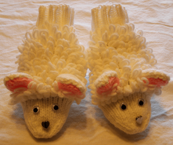 Adult Sheep Slippers - FREE Knitting Pattern