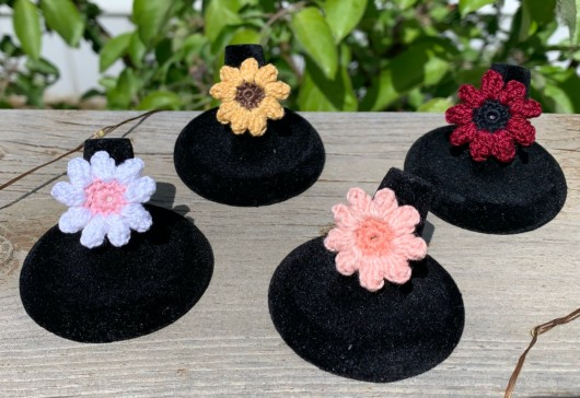 Make a ring from a crochet flower