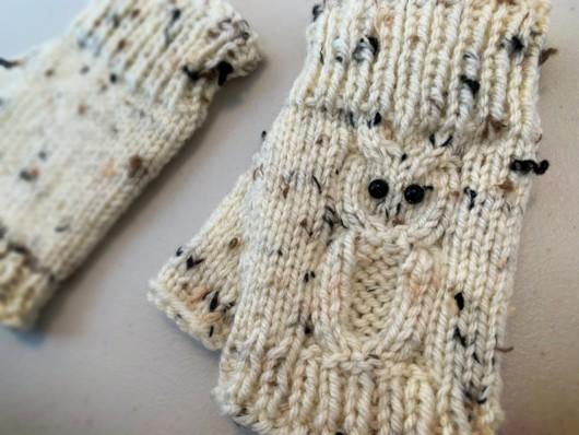 beige owl knitted fingerless gloves
