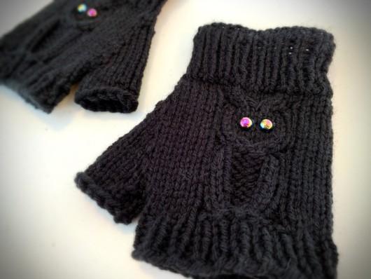 black owl knitted fingerless gloves