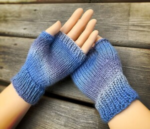 How to knit fingerless gloves