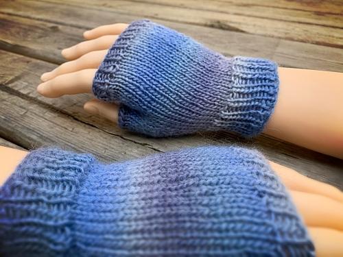 knitting pattern - How to knit fingerless gloves
