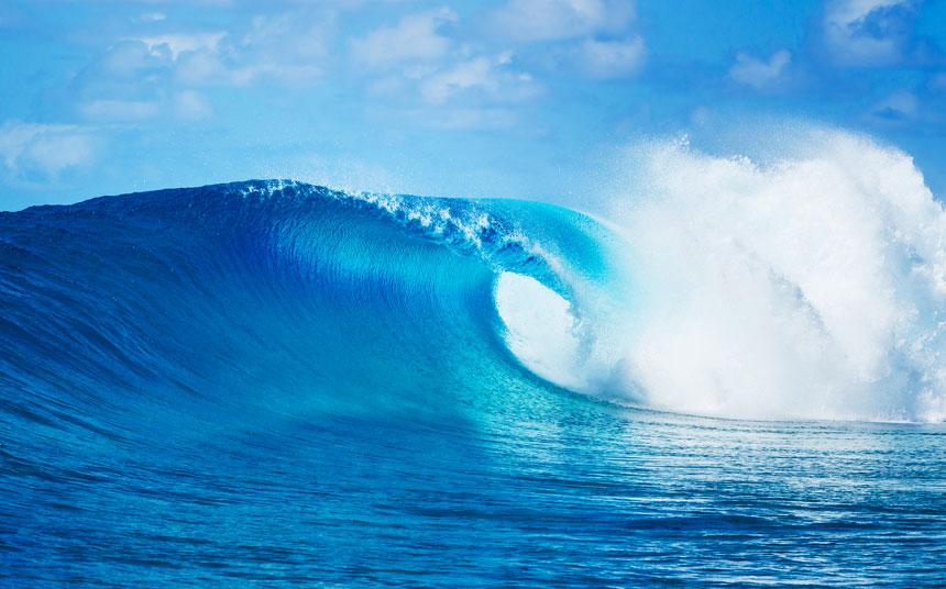 ocean wave breaking