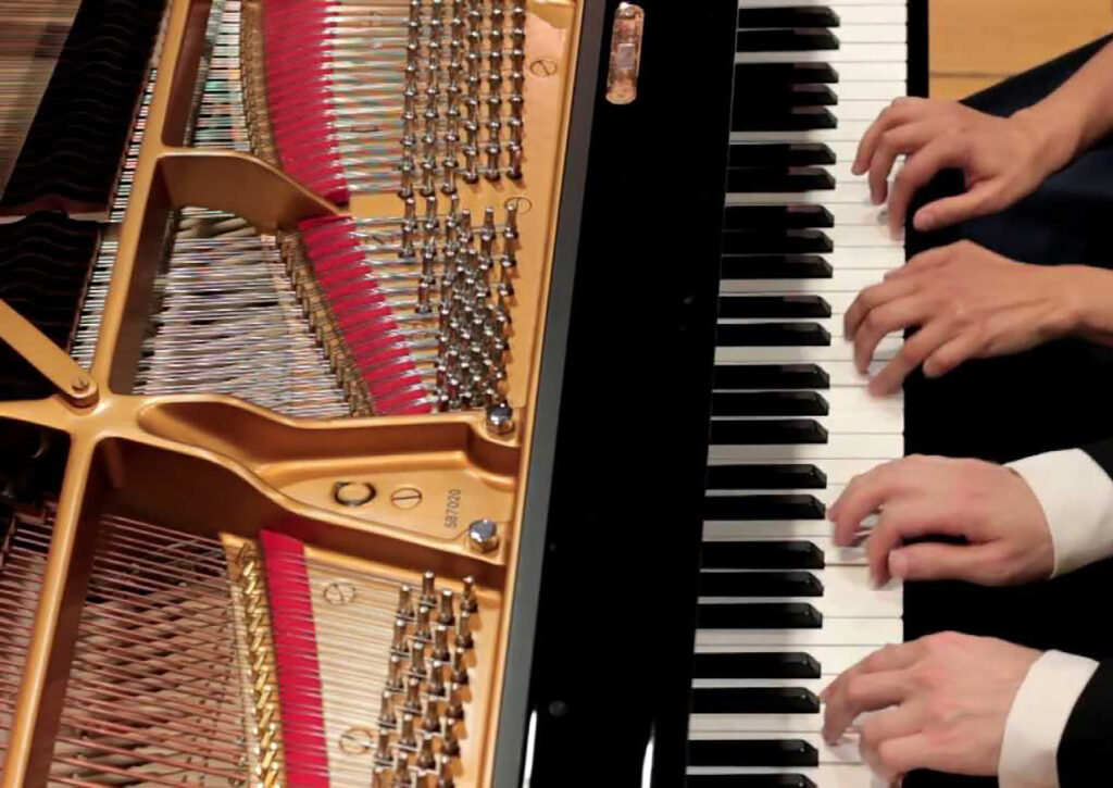 4-hand-piano-cropped