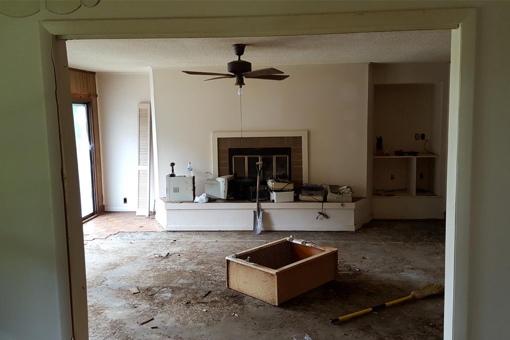 Livingroom3 before