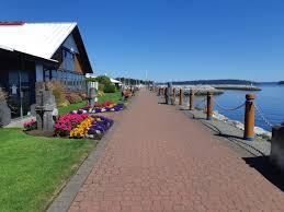 sidney's-waterfront-walkway