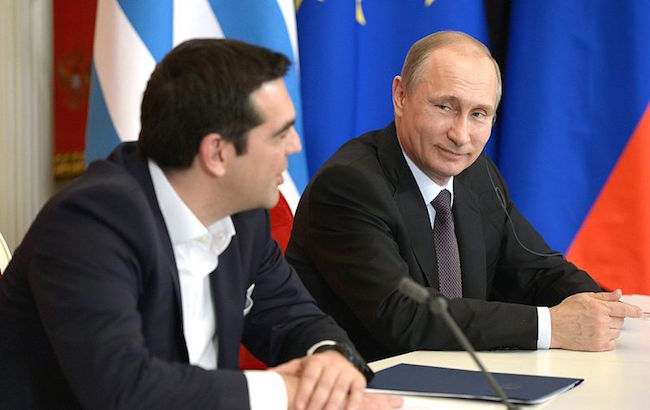 Russian President Vladimir Putin and Prime Minister Alexis Tsipras at a press conference in Moscow in April 2015 (Photo: Courtesy of WikiCommons)