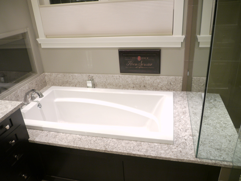 Luxurious drop in tub