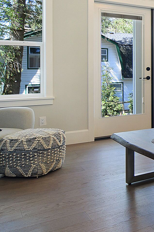 This modern pouf comes in many shapes, sizes and fabrics and adds fun and personality to any room.