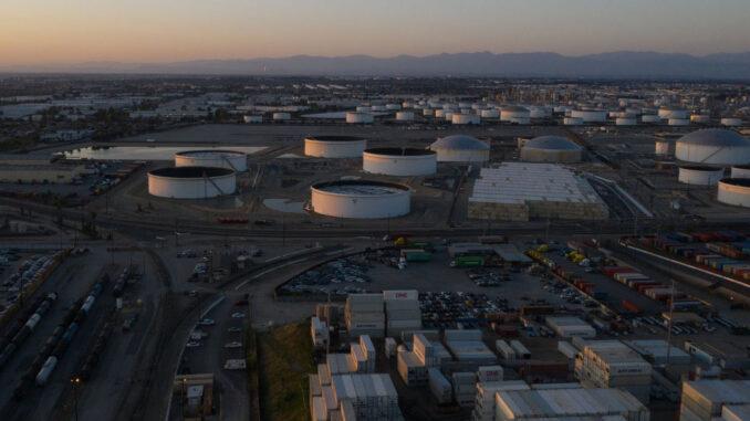 Oil - Tank Farm - Energynewsbeat.com