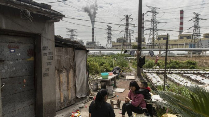 A coal-fired power station on the outskirts of Ningbo - EnergyNewsBeat.com - Qilai Shen-Bloomberg