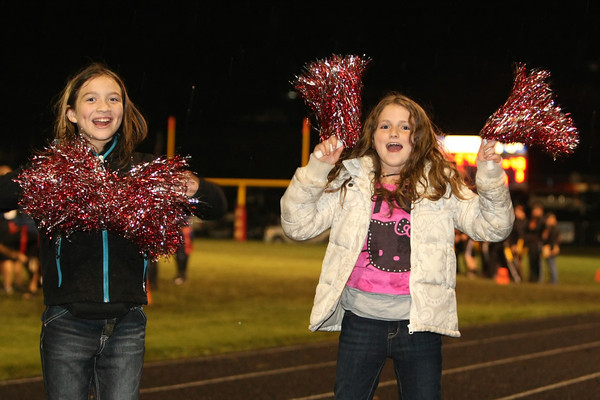 These young girls came ready to cheer!