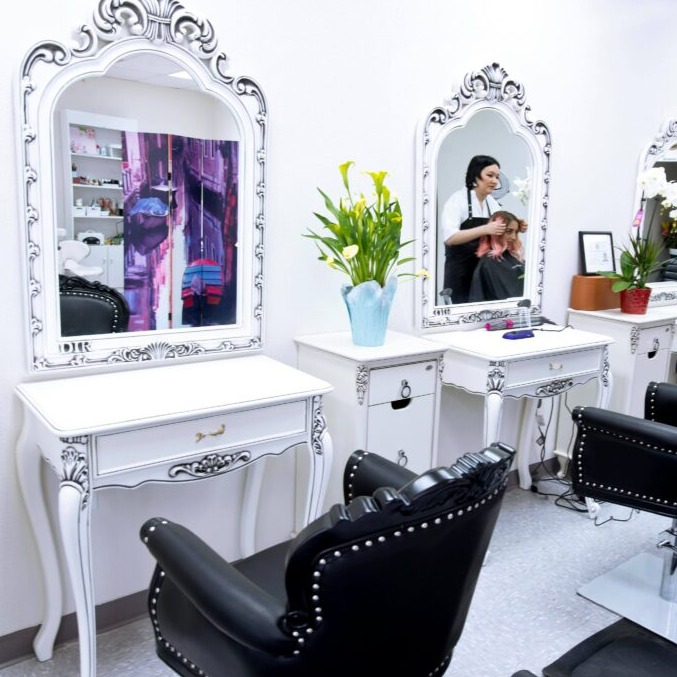 Your Majesty Beauty Salon