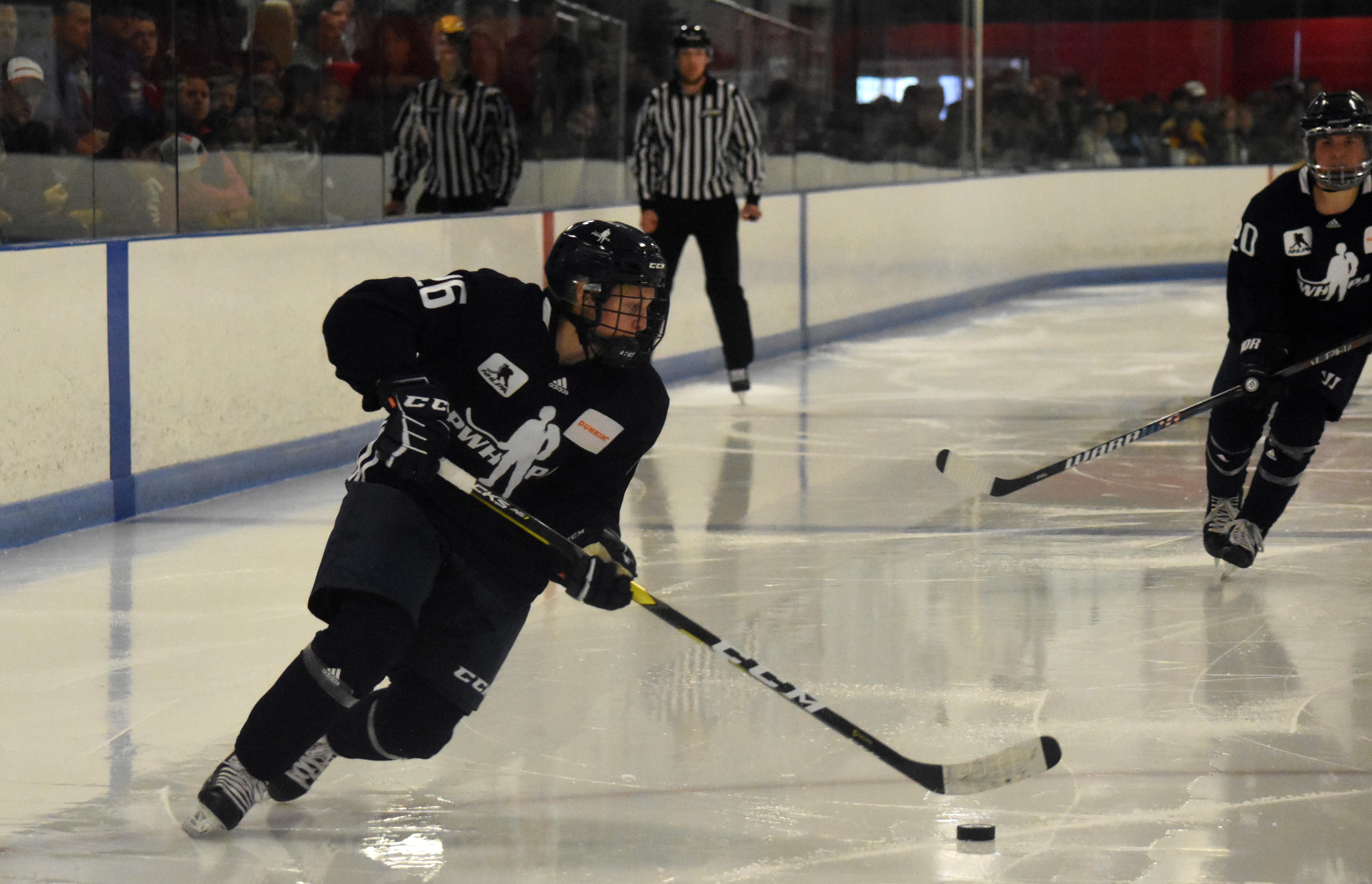 Blackhawks Hire PWHPA's Kendall Coyne Schofield