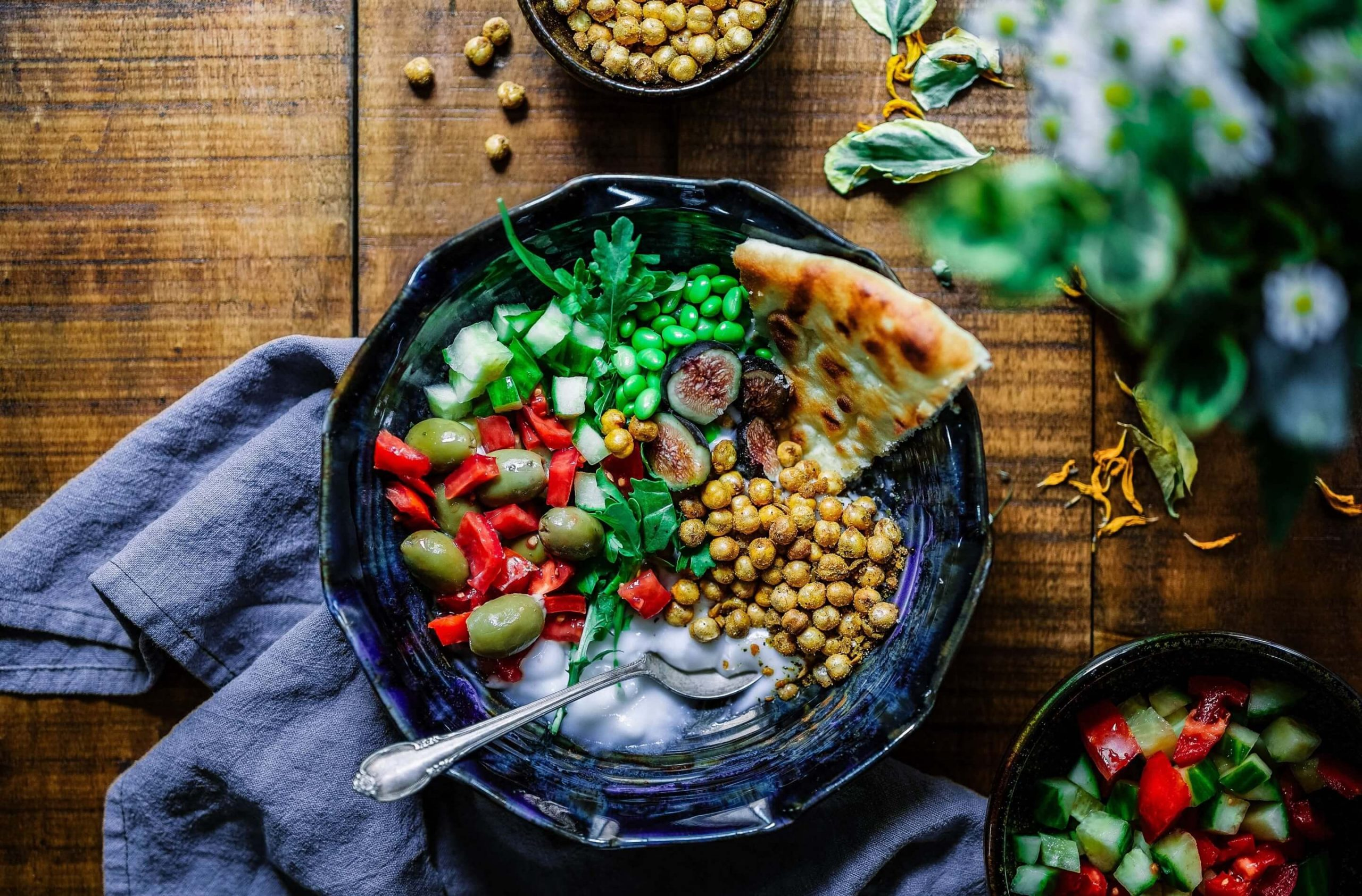 Lunch Favourite with Salad, Naan And Beans