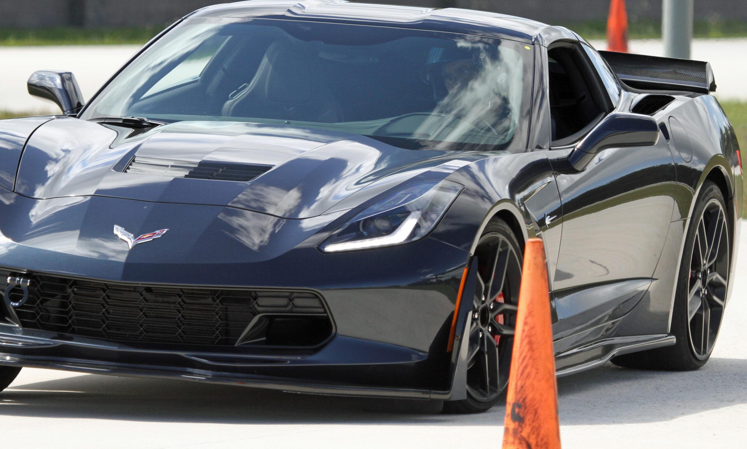 2021 Porsche vs Corvette Challenge at the AMCM