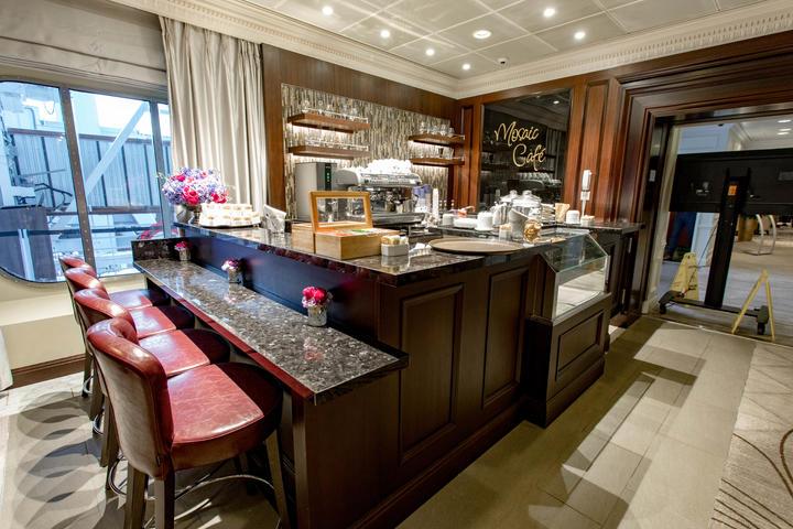 Azamara cruise restaurant