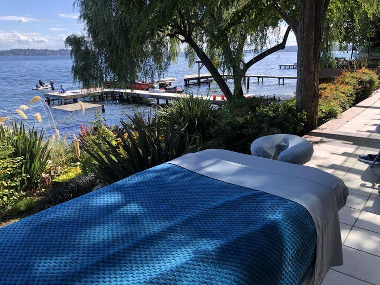 Outdoor massage at lake 2