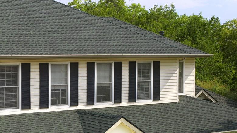 classic roof shingle on white aurora home
