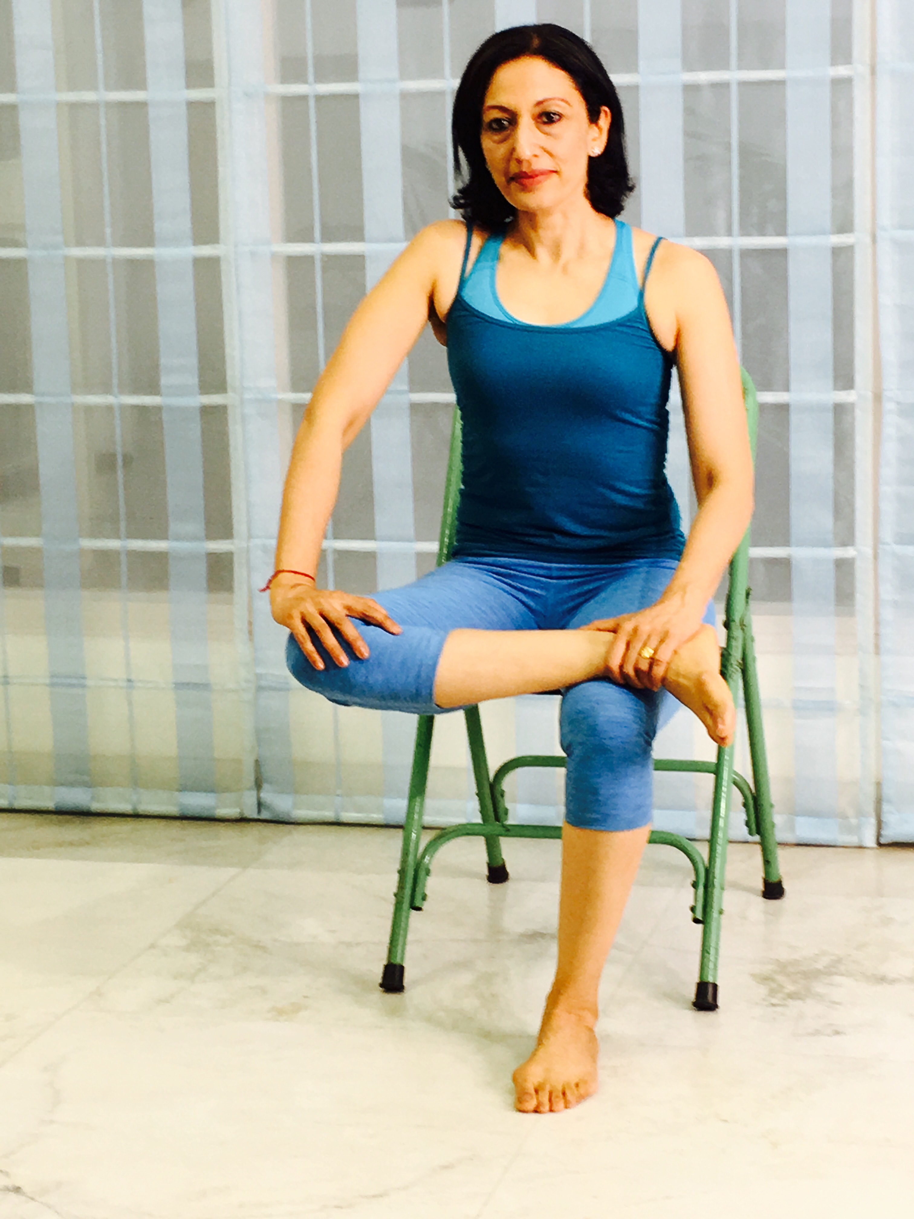 Knee-to-ankle pose