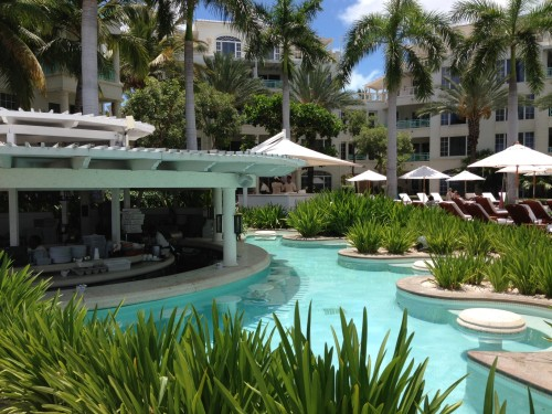 Regent swim-up bar and swim-up booths (YES!)