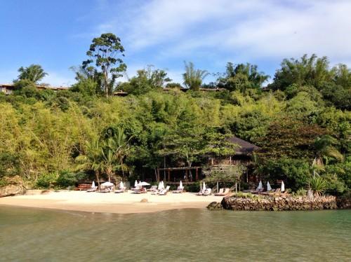 Ponta Dos Ganchos beach