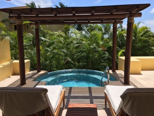 Garden View Suite.. pretty SWEET, huh?!
