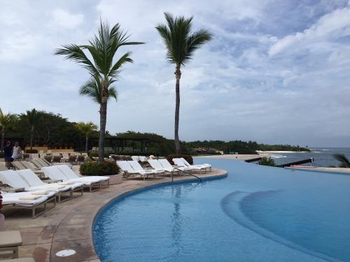 Four Seasons Punta Mita family pool