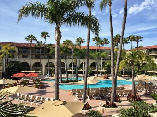 Ritz Laguna pool