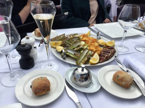 Seafood & champagne lunch is always a good idea on the Cote d'Azur