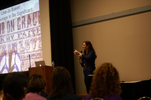 MOMcon 2014 Lisa Jo Baker discusses significance – Finding My Blog