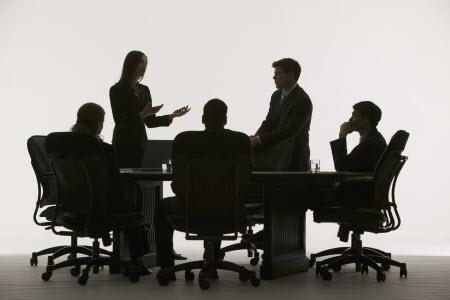 amazon-court-meeting