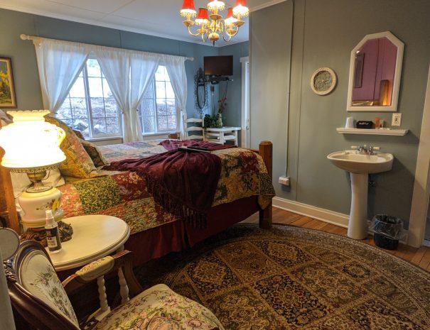 Classic bedroom image 3