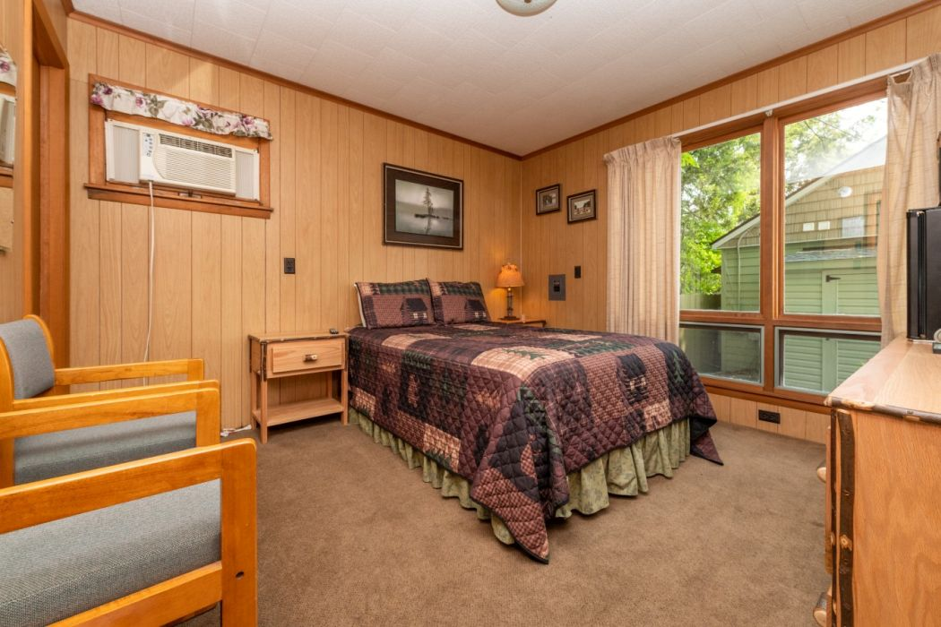 Shore Meadows LakeHouse Cabin 9 View Bedroom View 2