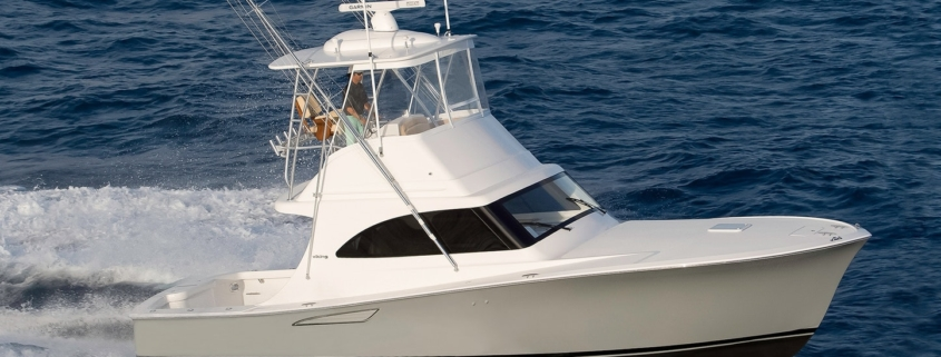 <H2>LUXURY YACHT CHARTERS</H2>