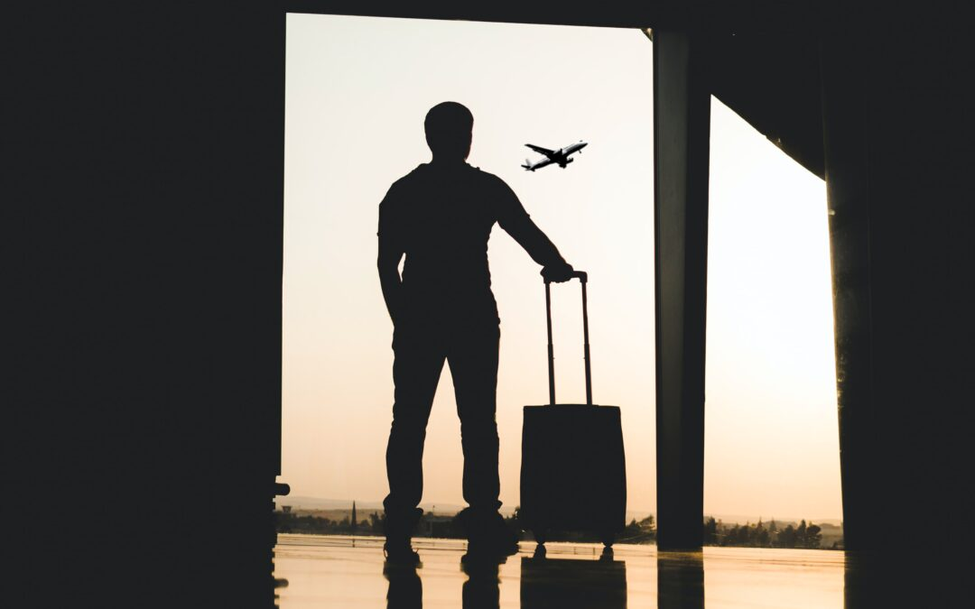 10 Tips to Avoid COVID-19 While Traveling