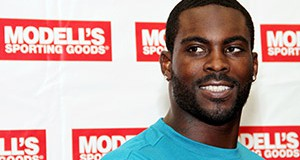 Vick's Former GF Opens Up About Tell-All Book