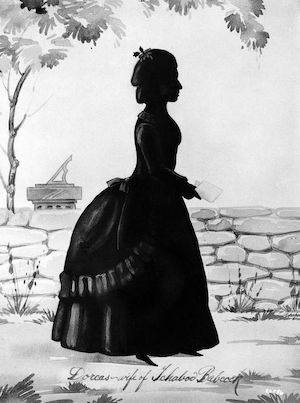 Silhouettes: A Portrait Alternative with a Dark History (pun intended)