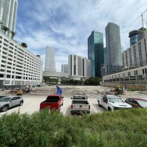 This is an image of the 444 Brickell construction site where ancient remains have been founds. This image acts as the header image for this article.