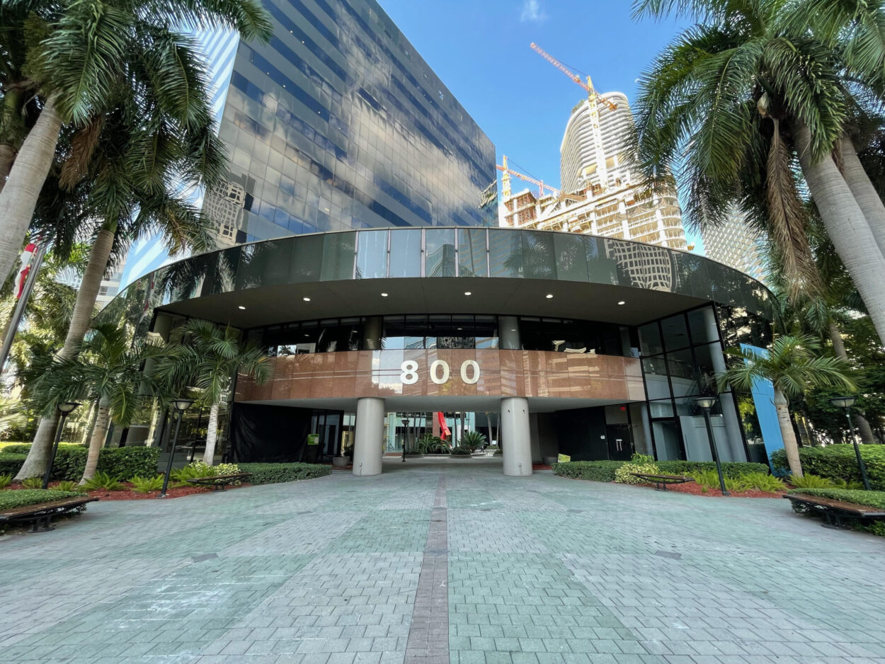 This is an image of the outside of 800 Brickell Building.