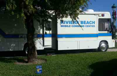 Riviera Beach Police use Mobile Commend Center in a high profile public outreach program to distribute SmartWater kits to residents.