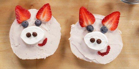 Strawberry Pig Bagels | POPSUGAR Food